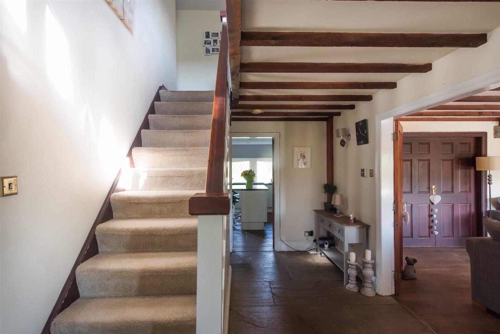 5 Bedroom Link Detached House For Sale - Image 6